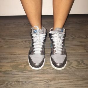 NIKE HIGH TOP SNEAKERS SIZE 8